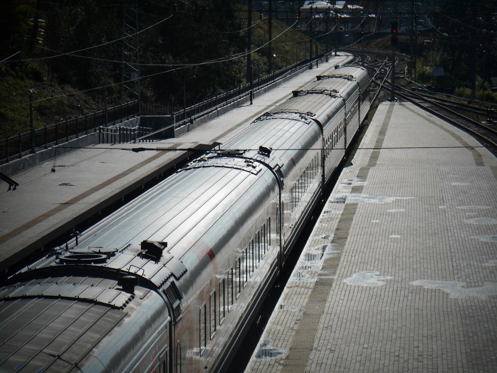 ЖД вокзал города Мурманск состав к сцепке