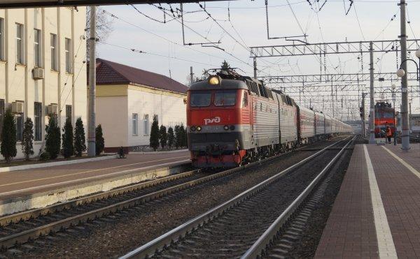 ЧС7-247 на ст. Тула-I-Курская (2).jpg